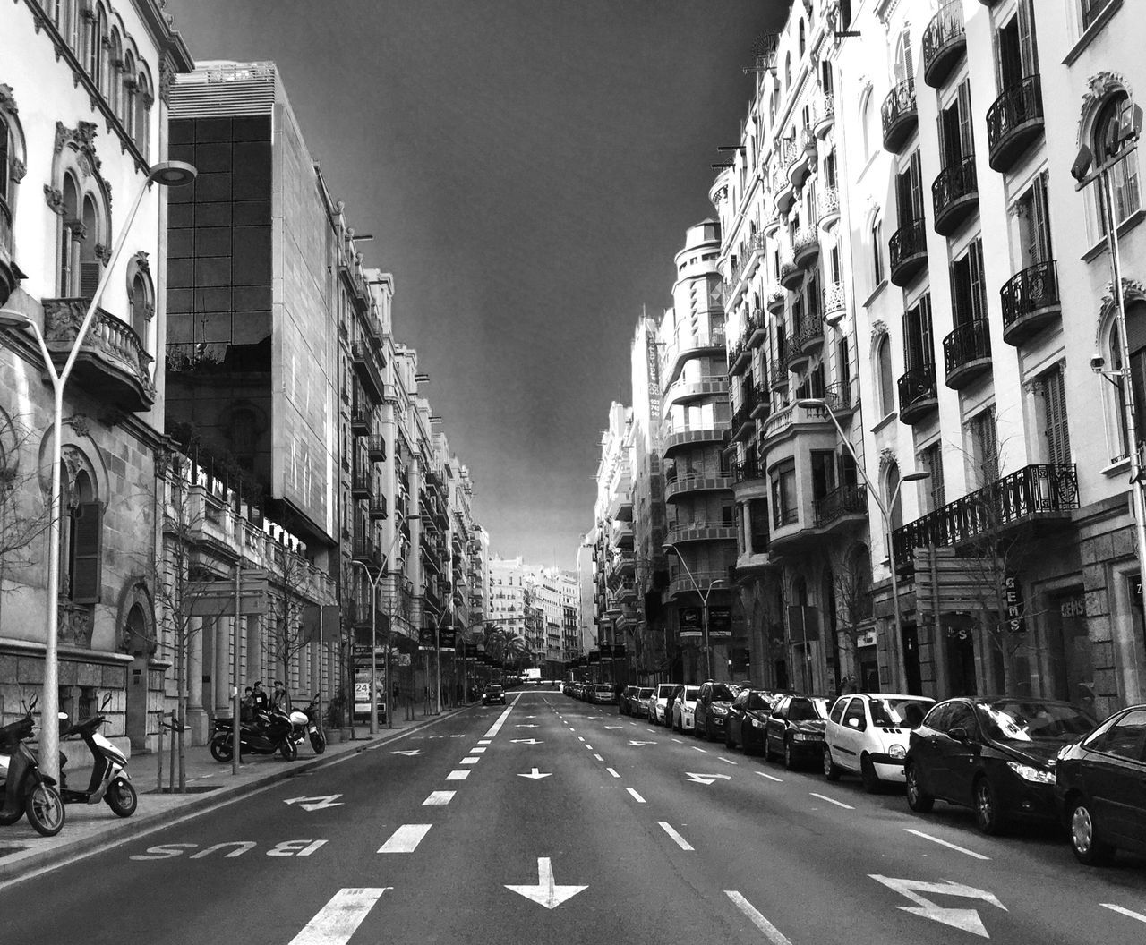 Building Exterior Street Architecture Built Structure Road Transportation Outdoors City Car Day Streetphotography Street Photography No Cars  Better City Blackandwhite Streetphoto_bw EyeEm Bnw Sky No People