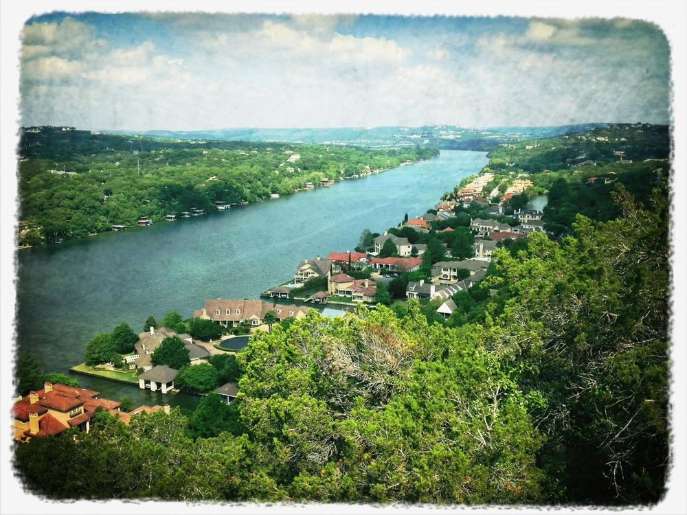 Checking in at Mt. Bonnell by Denrael