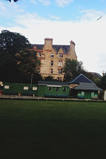 Edinburgh bowling green 🌱sport in the centre of Edinburgh for bowling Sport In The City The Changing City 🍃 Bowling Green Architecture Building Grass