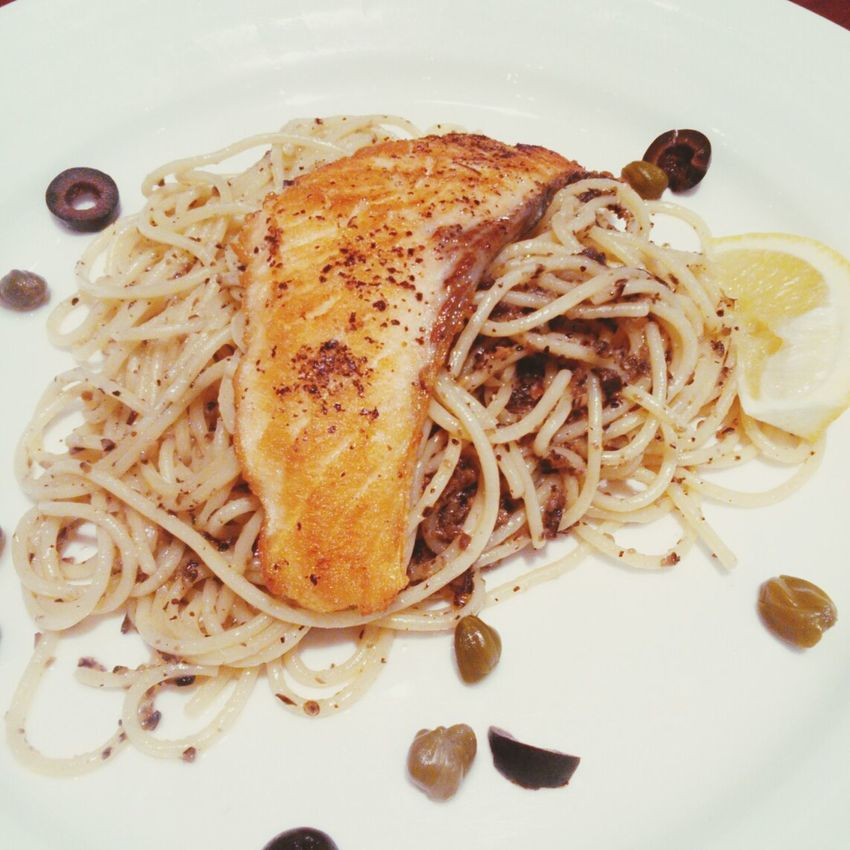 family dinner Taking Photos Salmon Pasta