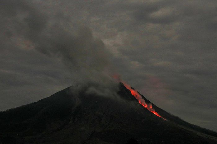 Mount Sinabung spews hot ash and lava in Karo district, North Sumatera, Indonesia. Nature North Sumatera Mount Sinabung Mountain Nature Volcanic Landscape Power In Nature Erupting Lava Volcano