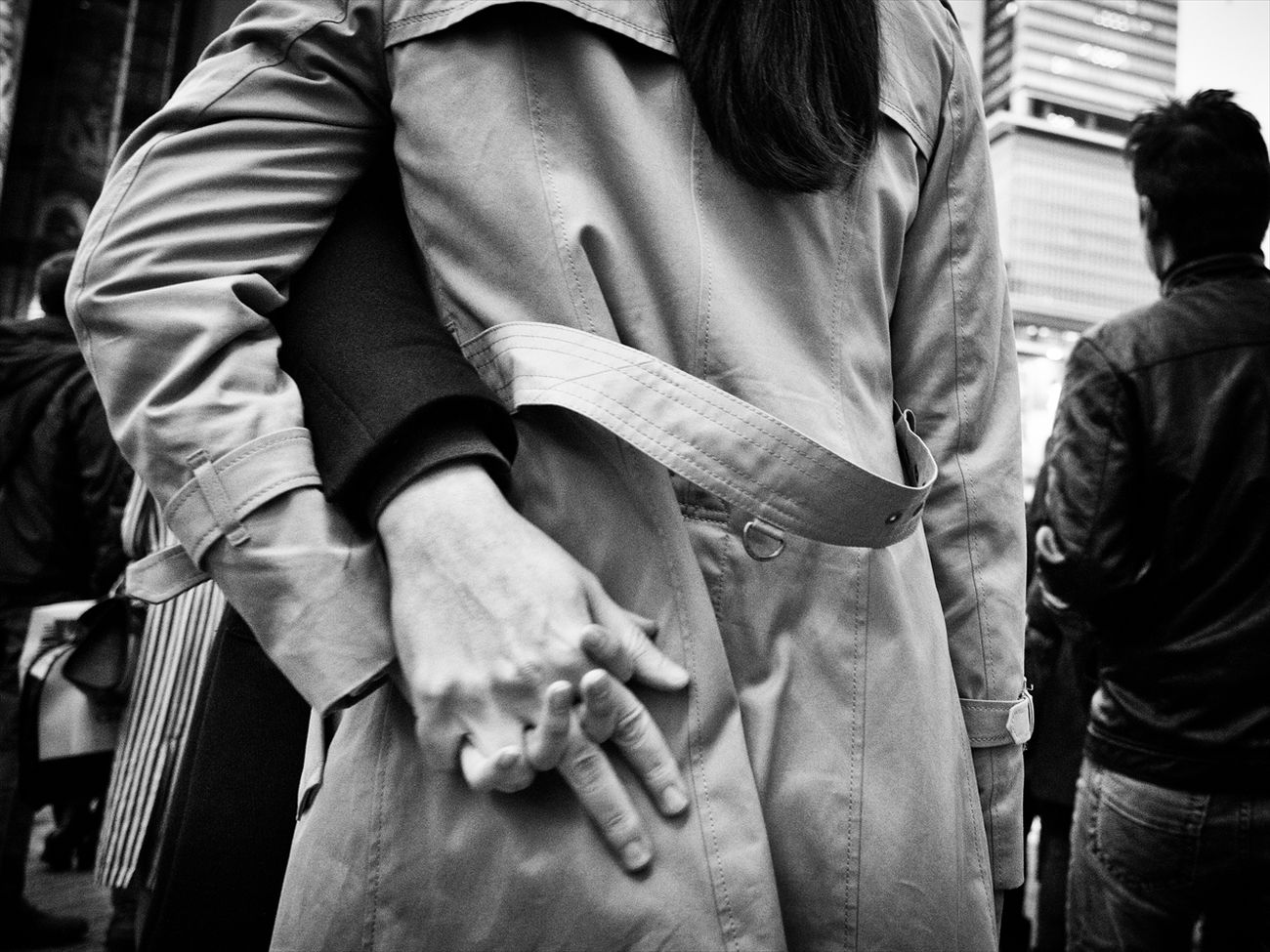 Hands #5 B&w Street Photography Black And White Creative Light And Shadow Monochrome Photography People Shibuya SHINJYUKU Street Street Photography Streetphoto Streetphoto_bw Streetphotographer Streetphotographers Streetphotography Streetphotography_bw Tokyo Tokyo Street Photography Tokyo,Japan