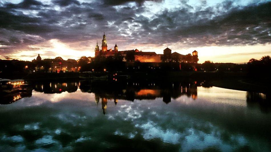 Wawel  Wawelcastel Wisła Vistula VistulaRiver Waweldragon Sky Reflection Water Cloud - Sky Outdoors Nature Krakow Poland Polska Krakau Cracow Cracovia  Sunrise CapturedByXperiaZ
