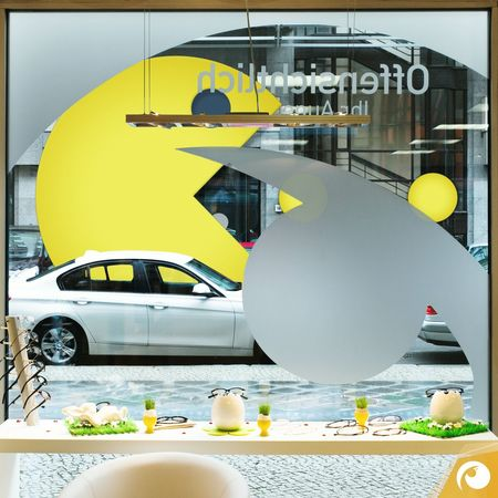 #Yeah Pacman is running in front of our shop in Berlin Mitte ;) Joke, but if you like you can play PACMAN today on Google Maps. (the weather is bad anyway) Offensichtlich Osbln Game Google