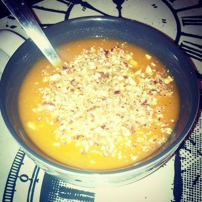 Dinner Homemade Velouté de carottes et noisettes