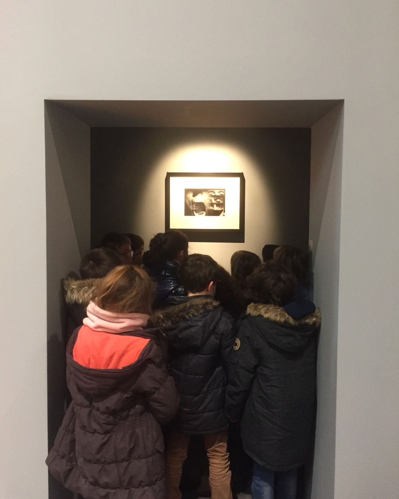 Real People Lifestyles Leisure Activity Indoors  Togetherness Art Inspection Kids At The Museum
