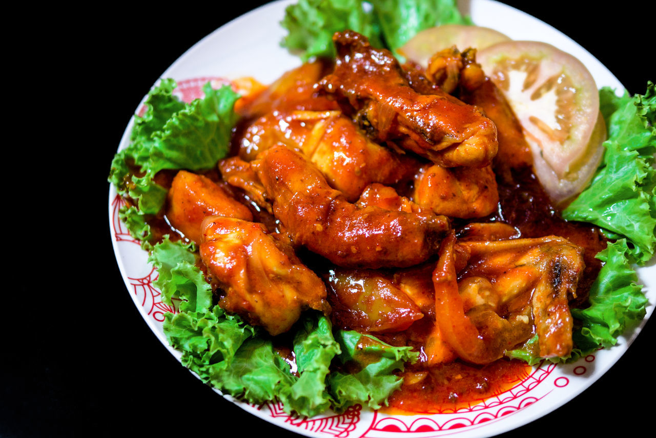 Food Food And Drink Ready-to-eat Black Background Plate Healthy Eating Close-up Freshness No People Studio Shot Black Background EyeEm Business Finance And Industry EyeEmNewHere EyeEmbestshots EyeEm Masterclass Ayam Merah Chicken Red Spicy Spicy Food