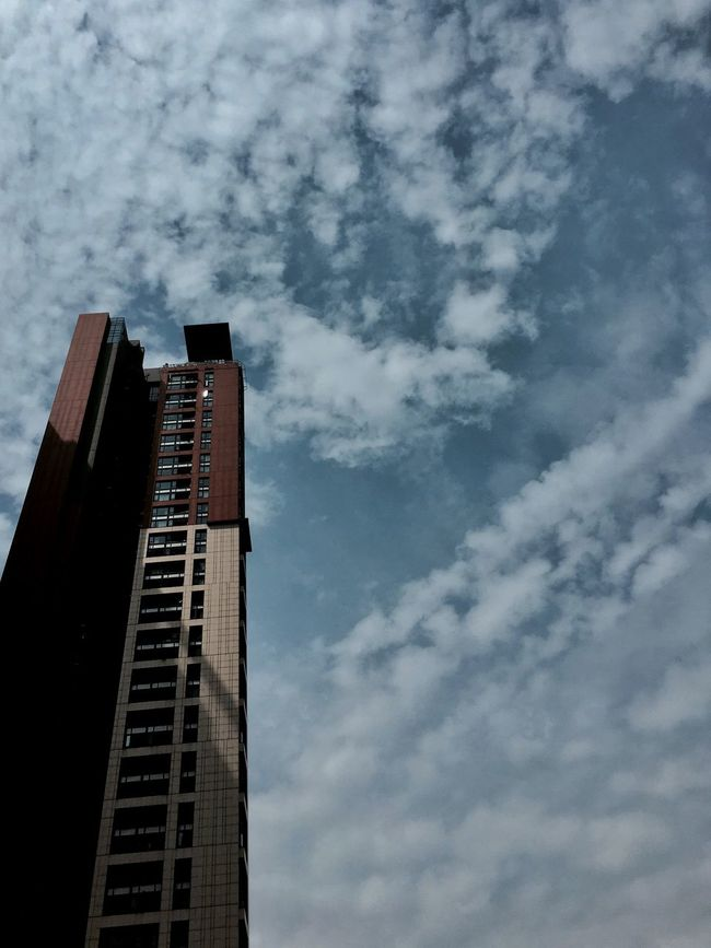 Building And Sky Architectural Design Pattern, Texture, Shape And Form Shenzhen Architecture Low Angle View Building Exterior High Rise Building High Rise Apartment Urban Lifestyle Urban Architecture Built Structure Cloud - Sky Light And Shadow Architecture IPhoneography