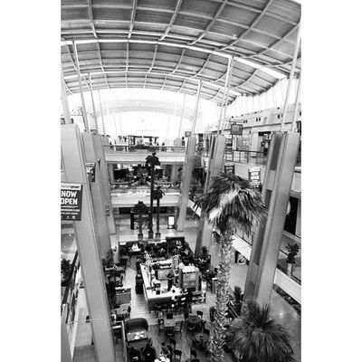 The Red_sea_mall RedSea Mall Redseamall . Looking at cafe larica. jeddah saudiarabia saudi_arabia. Taken by my sonyalpha dslr A57. ردسي مول كافيه لاريكا جدة السعودية