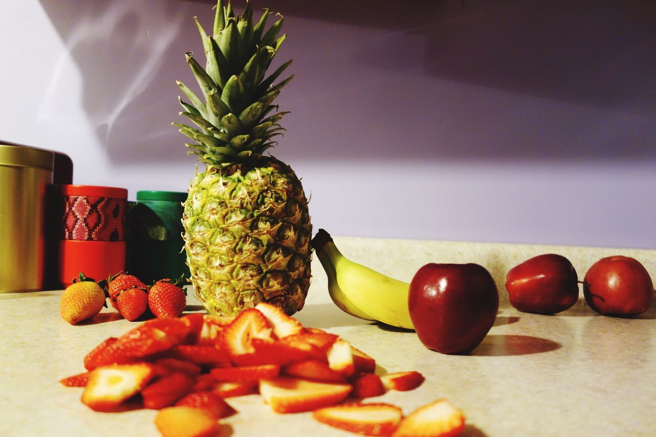 🍍🍓 Fruit Pineapple Healthy Eating Freshness Food And Drink Food Still Life Banana Close-up No People Indoors  Table Variation Strawberry EyeEmNewHere Rx100 Apple Healthy Food Ready-to-eat