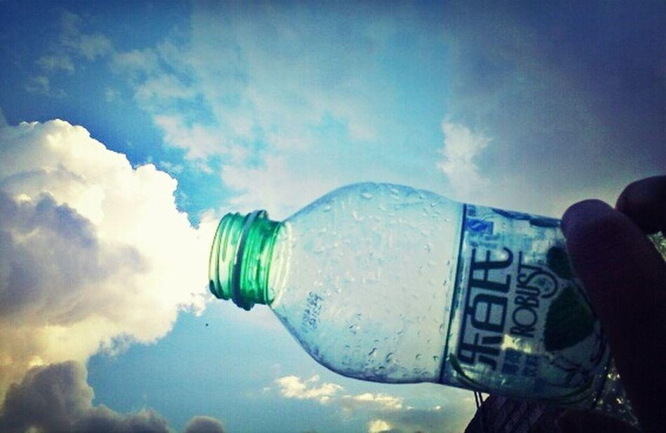 万能的瓶子,净化所有。