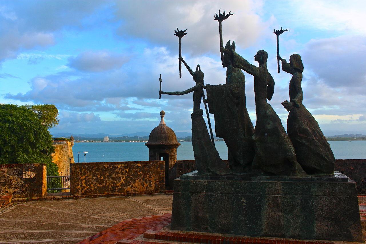 La Rogativa Statue Of Old San Juan