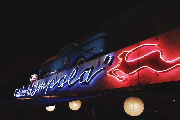 Illuminated Night Neon Old-fashioned Outdoors Coffee Shop Coffee Mérida Paseo De Montejo Vintage