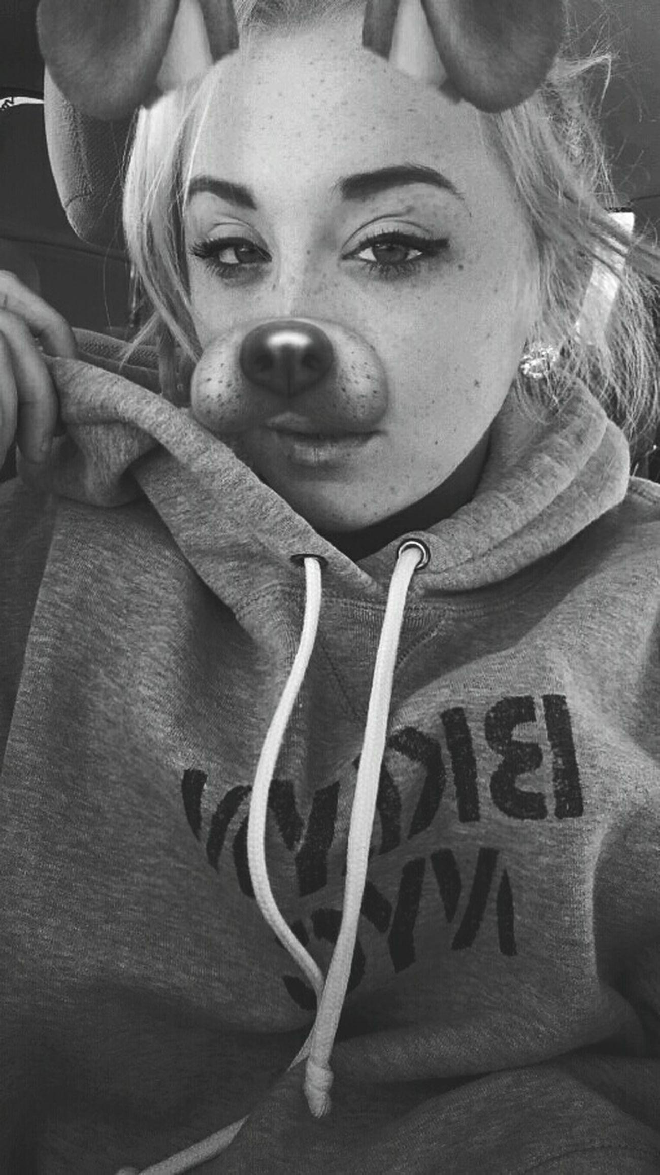 NYC Sweater Hoodie Onehuman Female Selfie Beauty Snapchatfilter Blomdehair Doggy Eyes Gages Plugs