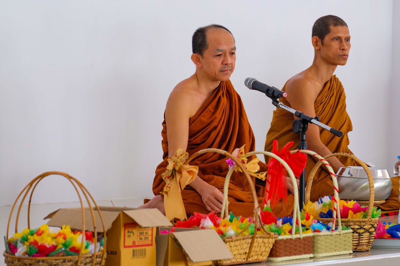 Buddhist Buddhist Monks Casual Clothing Enjoyment Front View Leisure Activity Lifestyles Monks Occupation Person Portrait Real People Three Quarter Length