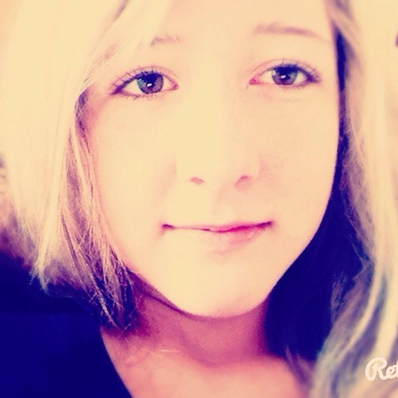 Liebe ist... wen der Idiot den du liebst dich zum lachen bringst, obwohl du vor Wut explodieren könntest ❤️!