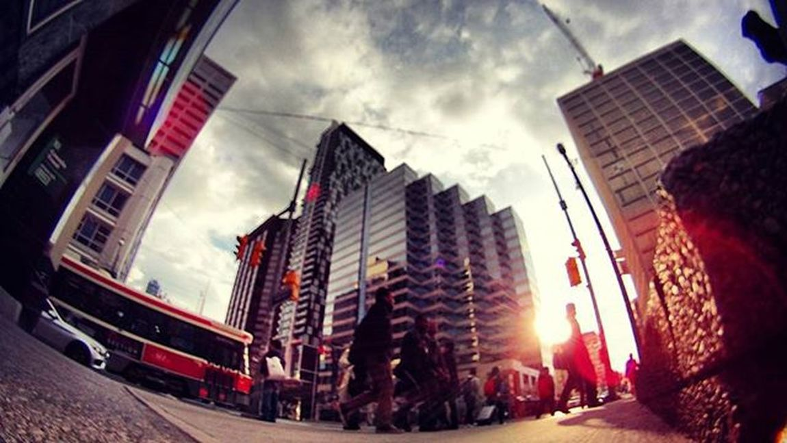 the falling sun Viewsfromthe6 Sunset Tocompletestreets The6ix Streetsoftoronto Streetphotography Perspective Photographysouls Toronto Itsgettingcold Theskytho Lifeofham
