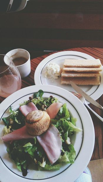 Salad Goatcheese Salad Healthyeating Enjoying Life Lunch Time! Lunchin'