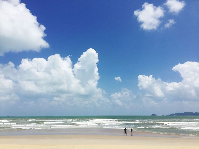 Marang Beach Sea Beach Sky Cloud - Sky Water Scenics Horizon Over Water Nature Beauty In Nature Day Tranquility Tranquil Scene Idyllic Vacations Sand Outdoors Real People Leisure Activity Men One Person