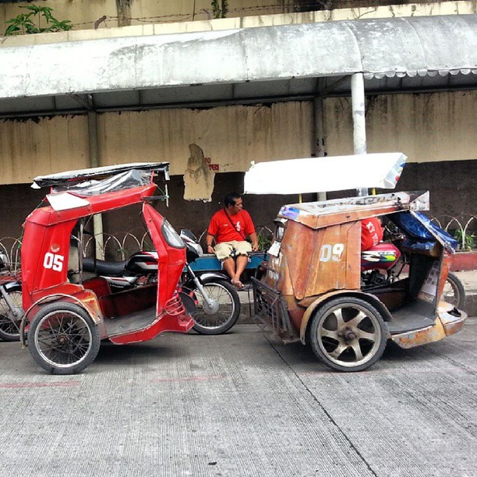 """Pedicab, Auto Rickshaw, Tricycle....u name it... it is time for a ride"" Allshots_ Almaproject Numberof2 Pedicab Autorickshaw Tricycle Ourlifetoday Philippines Makati Gf_philippines Ig_philippines Ig_asia Gang_family Walkwaywhy Webstapick Instagram Streetstylesgf Ic_thestreets Ig_street Mybest_street Mybest_moment Mybest_shot Dailythemes Phototag_it Pb_px jj_streetphotography jj globe_travel"