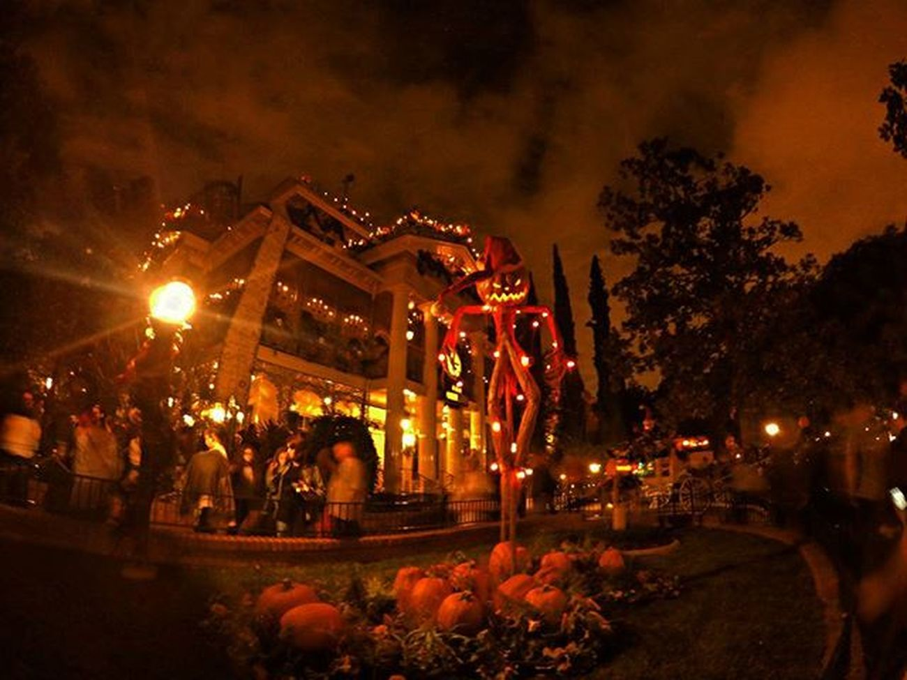 Ok I've bee bombing you guys with Disneyland pics today but this is cool lol ,my favorite ride all year long. Hauntedmansion Gopro Nightpictures