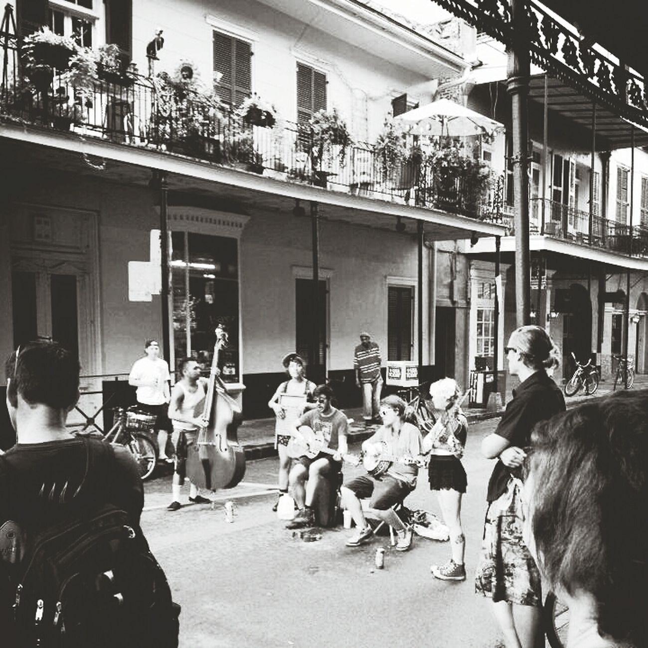Neworleans French Quarter Royalstreet Streetmusician