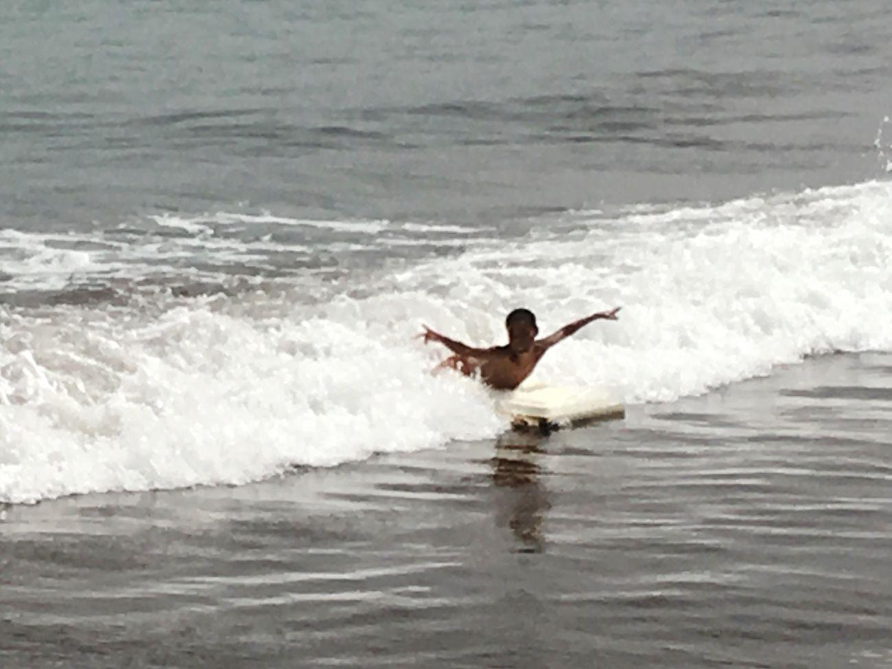 Surf de qualquer maneira haja imaginação
