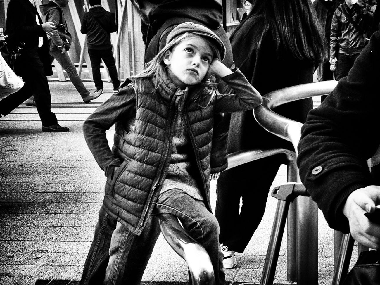 トーキョー・ブルース ~Tokyo Blues~ 新宿 Shinjyuku B&w Street Photography Black And White Creative Light And Shadow Monochrome Photography People Shibuya SHINJYUKU Street Street Photography Streetphoto Streetphoto_bw Streetphotographer Streetphotographers Streetphotography Streetphotography_bw Tokyo Tokyo Street Photography Tokyo,Japan