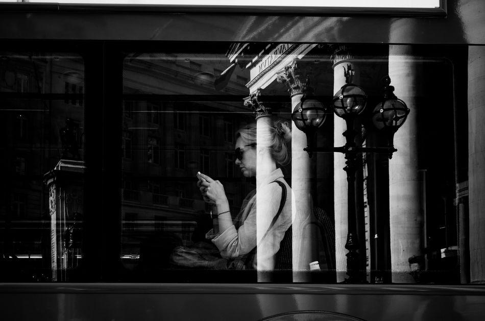 Blending in her City. City Life Blackandwhite Peope Public Transportation Streetphoto_bw Streetphotography_bw Street Streetphotography Street Photography Rawstreets Photooftheday Maxgor.com London Maxgor Leica Xvario Leica Black And White Person Monochrome Photography London Lifestyle
