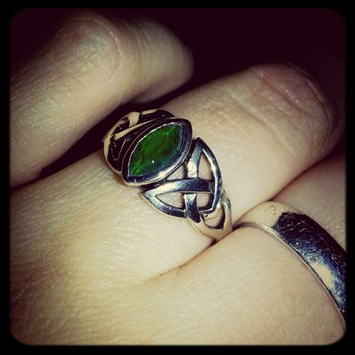 New Celtic knot ring with emerald stone - straight from Italy. International Thankyoumom