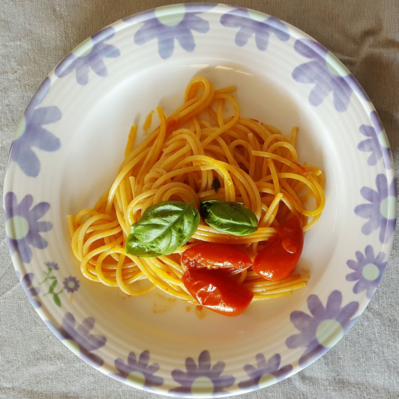 Foodporn Foodphotography Food Plate Of Food Spaghetti <3 Basile Tomato Lauch Italian Colors Italian Food Italia Italy Pasta For Lunch Pasta Time Pasta