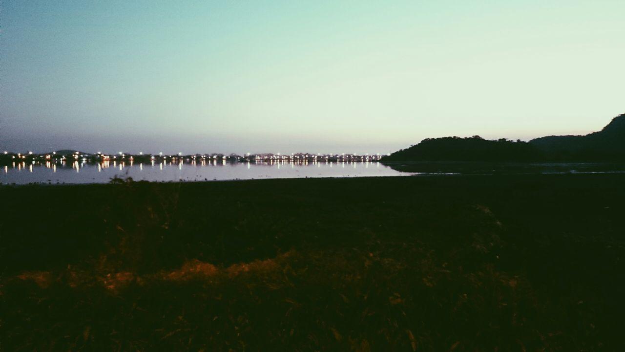 Que final de tarde! FinalDeTarde Lake View Lake Beautiful Day Peace And Quiet Enjoying The Sun Relaxing Lovely Weather