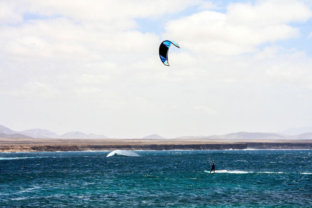 """A toda vela"" Canary Islands El Cotillo España EyeEm Vision Fuerteventura Kitesurfing Leisure Activity Outdoors Sea Seascape SPAIN Sport Sport Time Sports Photography Travel Destinations Travel Photography"