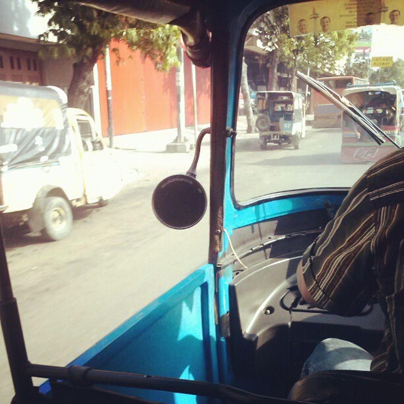 Jakarta pagi ini Bajaj Oplet Bus