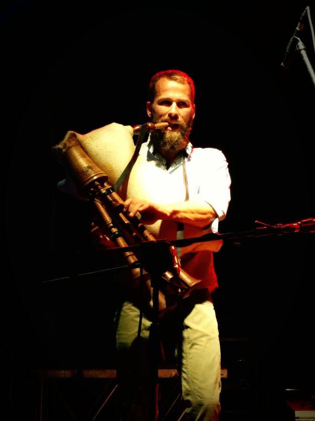 Suonatore di cornamusa Music LiveMusic Tradition Suonatore Di Cornamusa Luce Concerto Taranta