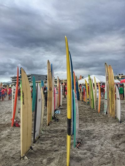 Standing surf boards Surfing Santas Cocoa Beach, Florida Surf Boards Variation Beach Photography