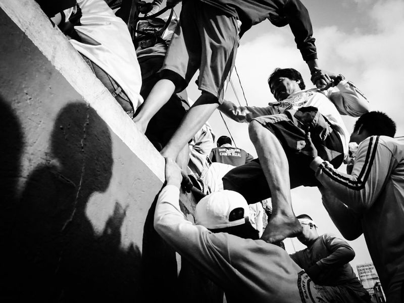 The Photojournalist - 2016 EyeEm Awards Blackandwhite Streetphotography Street Photography Nazareno Quiapo The Photojournalist 2016 Finalists
