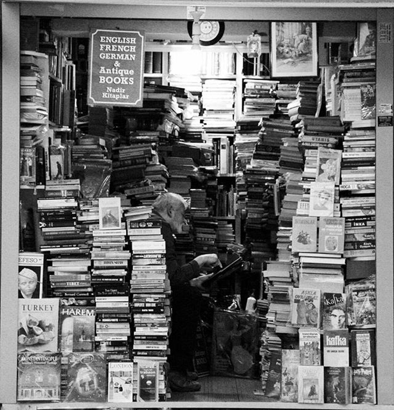 okumak şart 🤓📚 Objektifimden Photografer Zamanıdurdur Kadrajturkiye Vscodaily Bendenbirkare Vscoturkey Benimgözümden Sizinkareleriniz Fotografvakti Gununkaresi Fotografdukkanim Hayatakarken Objektifimdenyansiyanlar Bugununkaresi Instapic Instagood Aniyakala Benimkadrajim Canonphoto Canon Canon_photos Fotograf Haveaniceday Ig_eurasia guzelgununkaresi fotografheryerde vsco photooftheday İstanbul