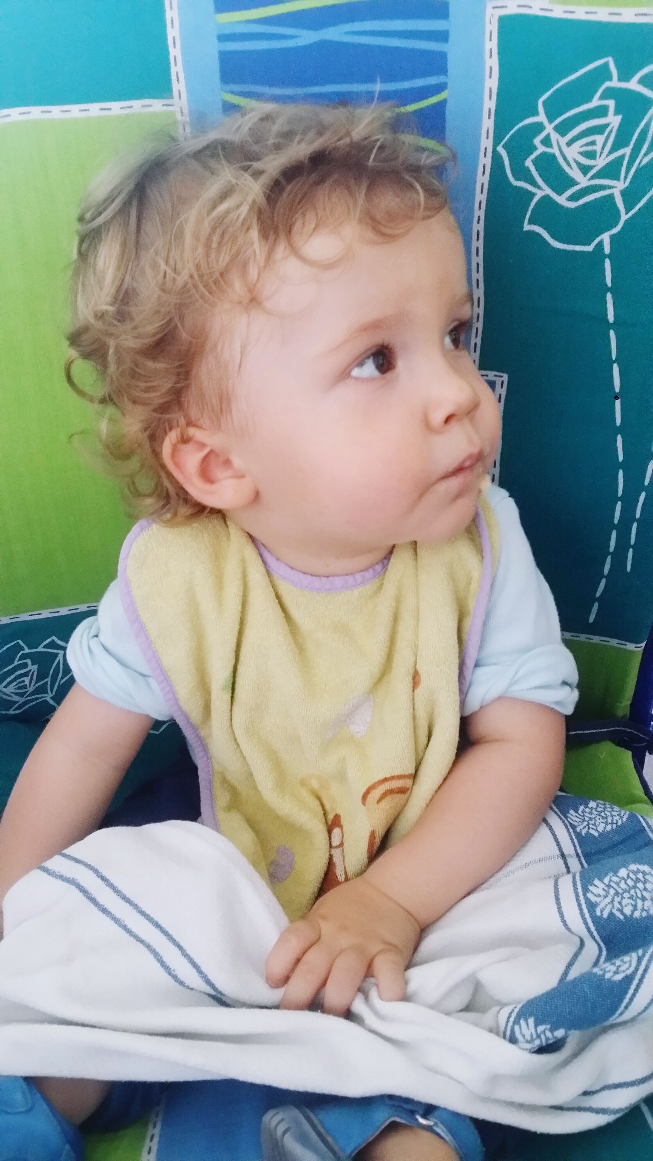 person, childhood, elementary age, innocence, casual clothing, cute, boys, lifestyles, indoors, front view, leisure activity, baby, toddler, waist up, three quarter length, babyhood, sitting, relaxation