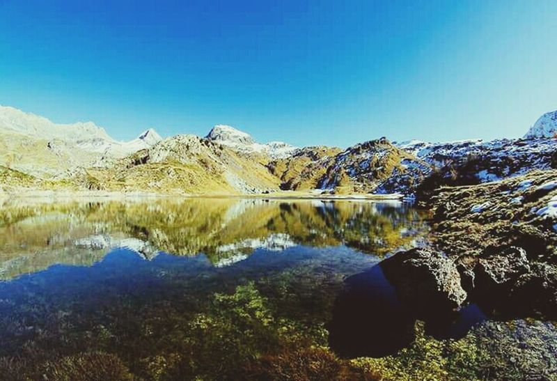 Snow ❄ Winter Lake View Mointains Mointain View Me Italy Details Loveit❤ Travel Photography Love ♥ Paradise Sky Clouds And Sky Sunset #sun #clouds #skylovers #sky #nature #beautifulinnature #naturalbeauty #photography #landscape Suuun Tree Sunset ColorfulNature