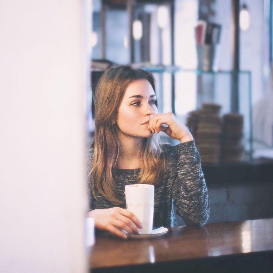 Beautiful stock photos of coffee, 20-24 Years, Beautiful Woman, Brow Hair, Cafe