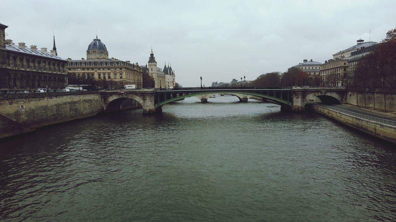 Vu de la Seine Walking Around Laseine Water Reflections Urban Landscape