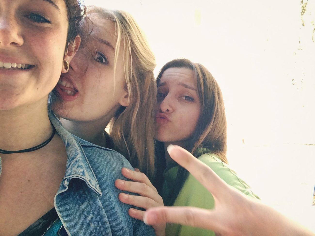Selfie Friends Girls Love