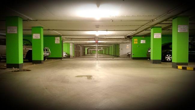 Parkhaus Green Color No People