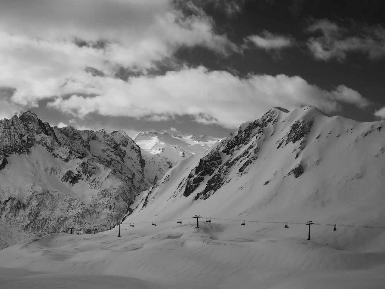 Mountain Mountain Range Nature Snow Beauty In Nature Landscape Cold Temperature Outdoors Scenics Mountain Peak No People Sky Day Ski Lift Passo Tonale Italy Winterscapes Skiing Glacier Adventure Beauty In Nature Winter Snowboarding Pow