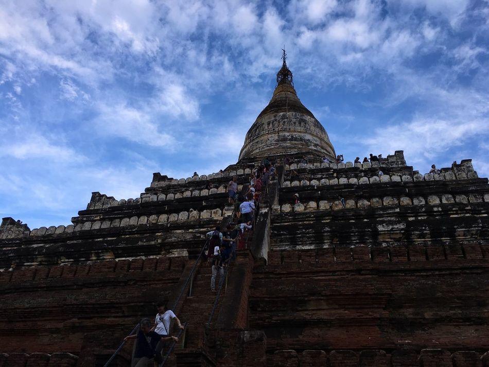 First Eyeem Photo Burma Myanmar Unique Scenics Tourism Untouchednature Untouchedbeauty Pagodas Pagode Pagoda Building Sunset Culture Battle Of The Cities