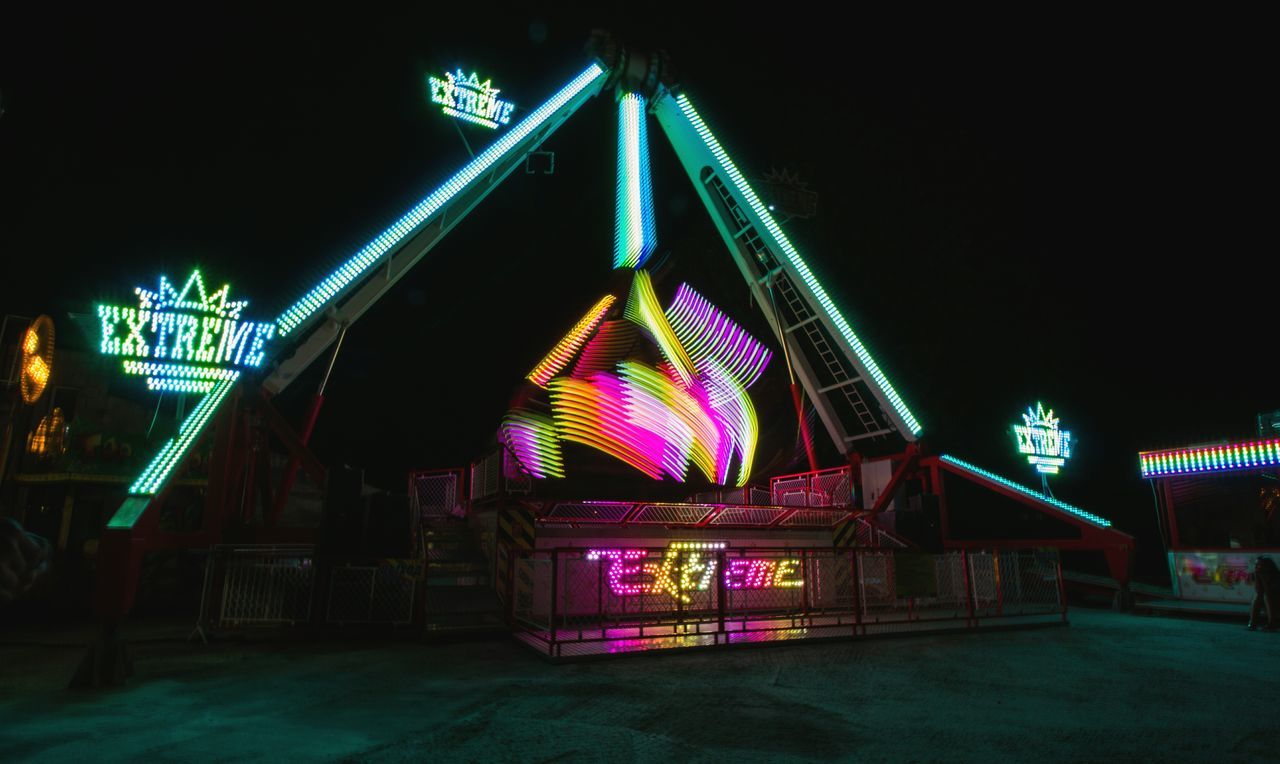 Canon Canon550D Россия Light Night Neon No People карусель атракцион экстрим Extreme Russia Ночь Park паркразвлечений Amusementpark Amusement Parks выдержка Eyeemphoto Carousel