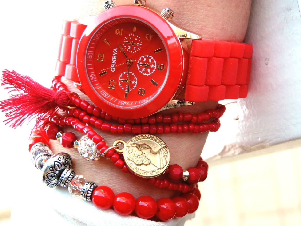 Showcase April Fashion Fashion Photography Fashion&love&beauty EyeEm Best Shots Red Red Jewellery Red Watch Handmade Jewellery