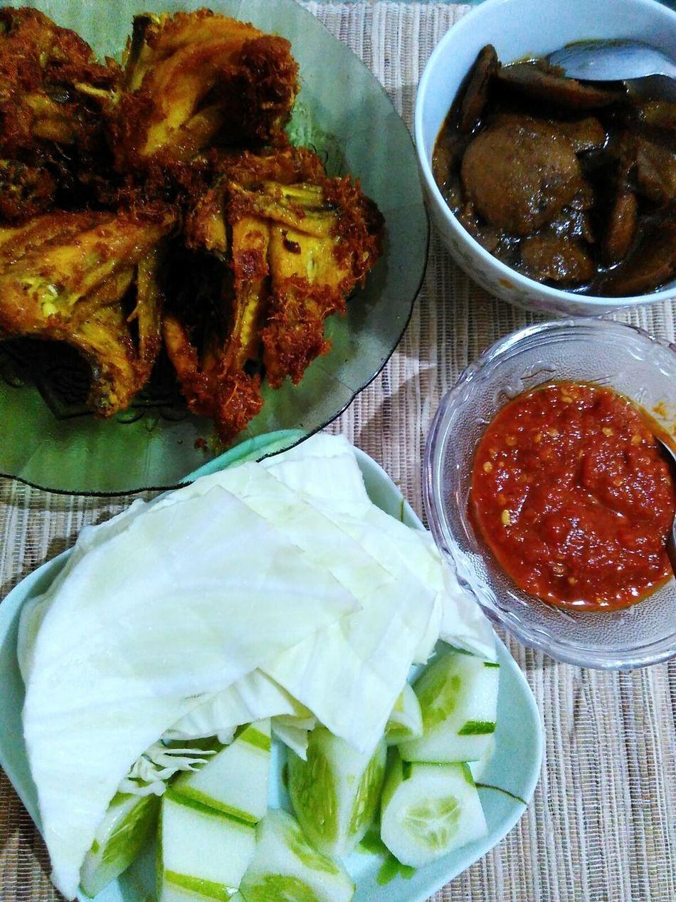 yummy 😋 Lunch Fried Chicken Jengkol Sambalbelacan Lalapan
