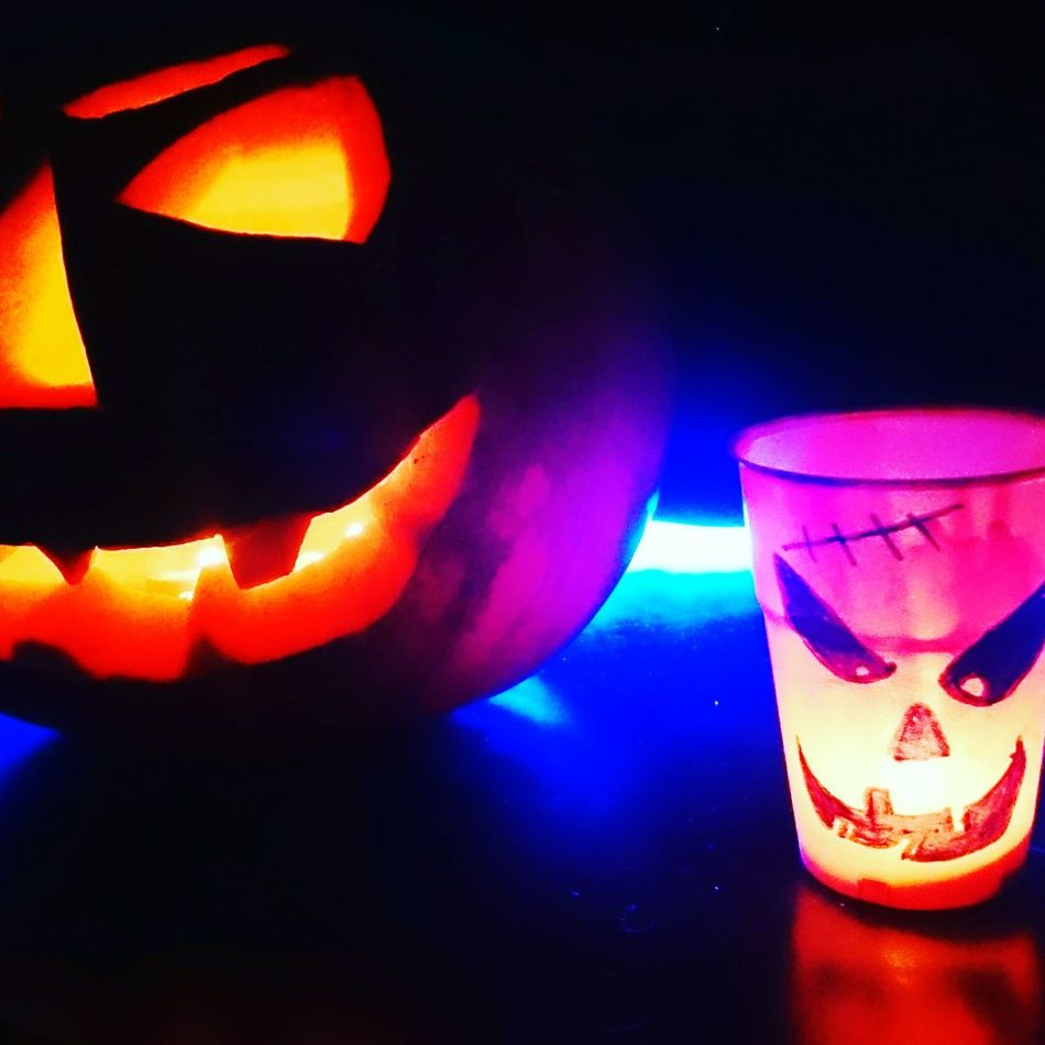 Hallwoeen Candle Candles.❤ Arts And Crafts Lights Hallwoeen ArtWork Halloween Halloween_Collection Pumkinpicking🎃 Halloween2015 Handmade By Me Halloween Horrors Handmade Halloween Party Pumkins Pumpkin Pumpkin Carving Drawing Jar Glass